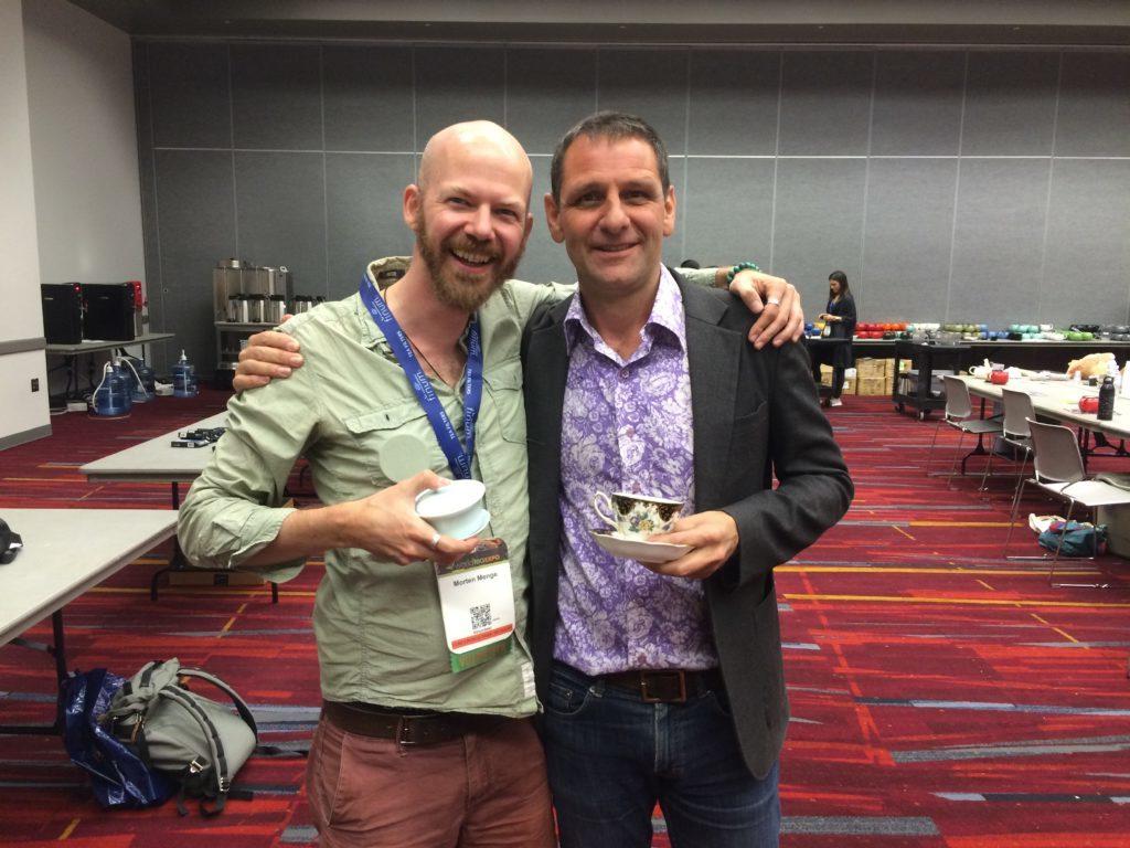World Tea Expo: Kevin Gascoyne mit einem seiner größten Fans